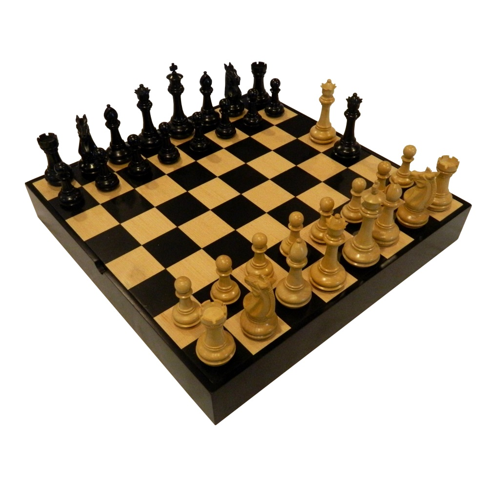 Heirloom Tournament Ebonized Phalanx Chess Set